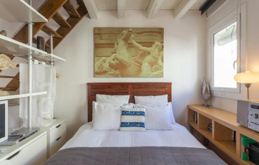 Explore Old Barcelona from a Loft-Style Studio ¤ - Barcelona