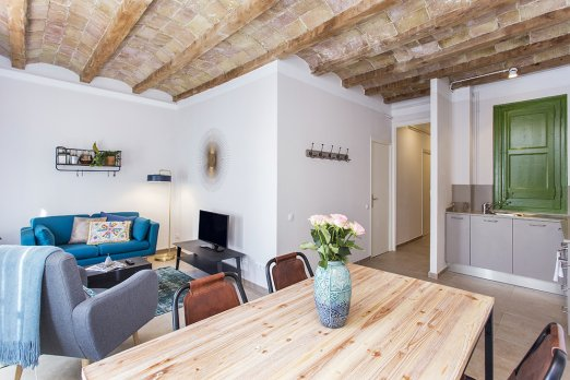 (BA3542) BARCELONA| POLISHED 2BEDROOM APT WITH BALCONY - Barcelona