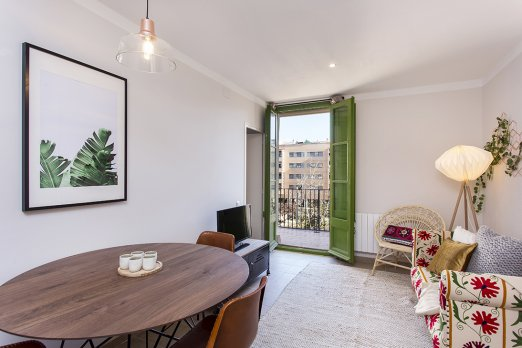 (BA35PPAL1) BARCELONA| TRANQUIL APT FOR 4 WITH BALCONY  - Barcelona