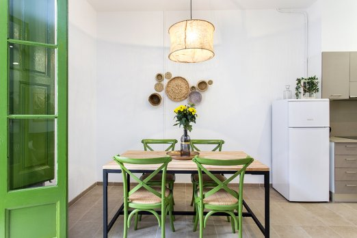(BA35BA) BARCELONA|CLASSIC APT FOR THREE WITH PRIVATE PATIO - Barcelona