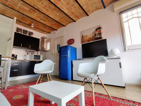 BARCELONA| NICE ATTIC STUDIO IN CITY CENTER - Barcelona